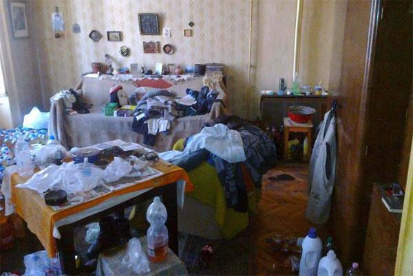 Соседи устраивают полный бардак в квартире